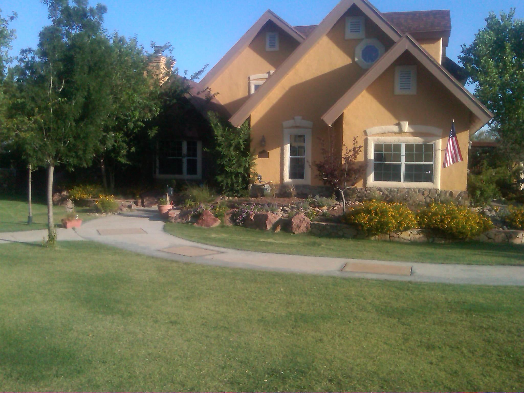 Landscaping gravel el paso tx : Adding depth to an already stylish front yard car really bring your
