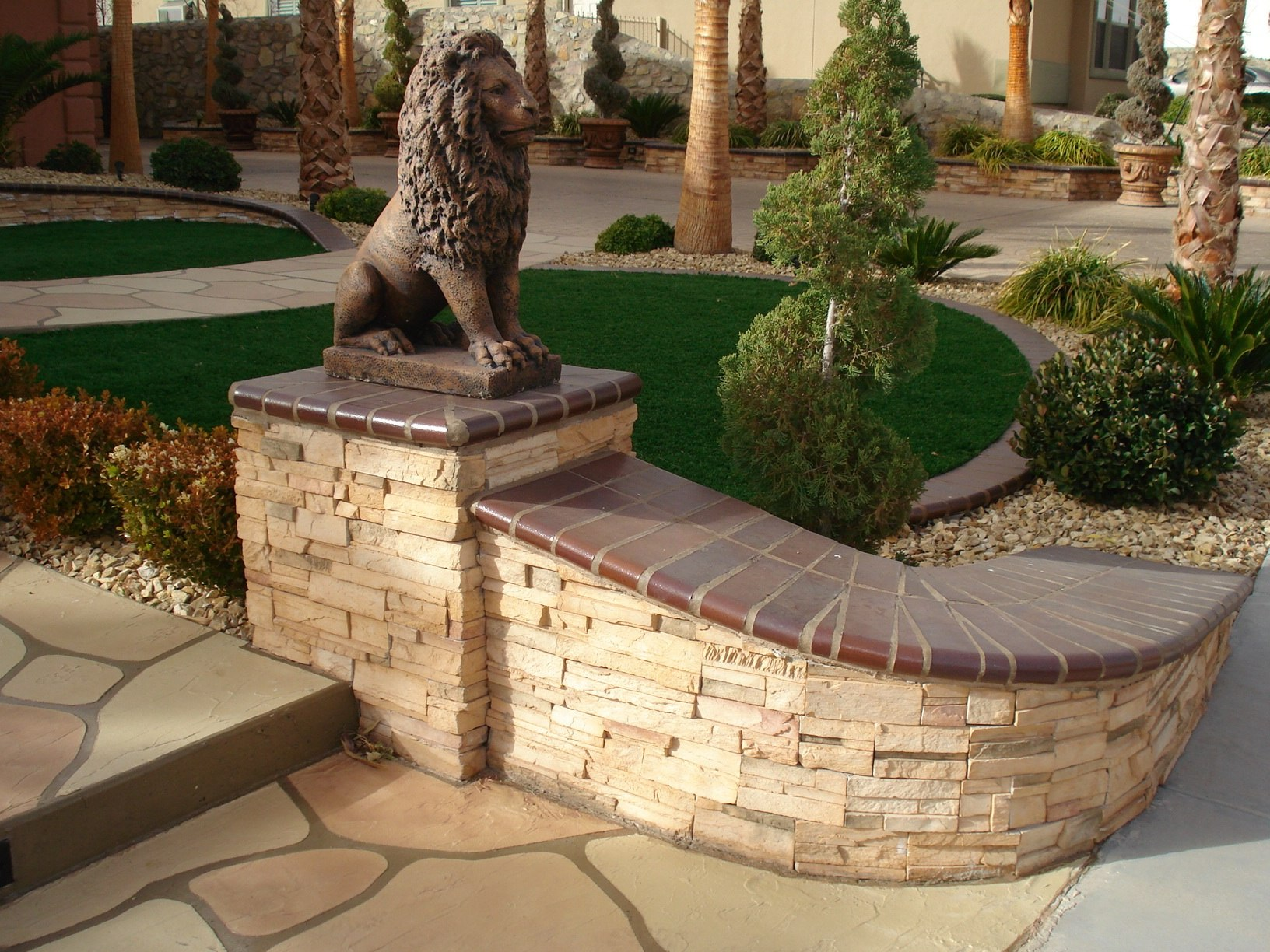Landscaping Gravel El Paso Tx : Stone veneer adding class and style to the frontscape of this home